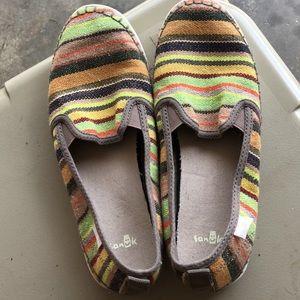 New pair of women's Sanuk slip on shoes